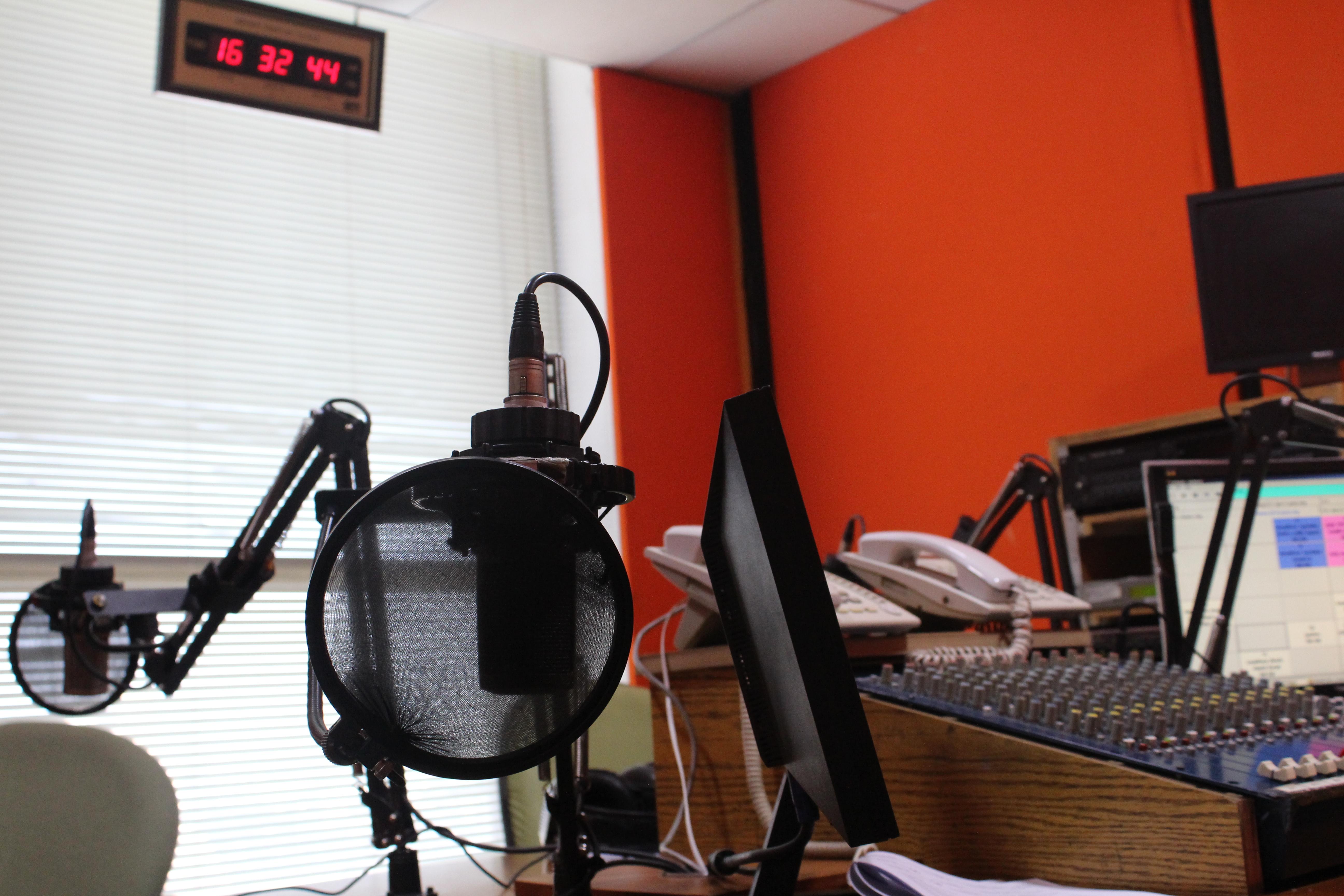 FM 107 Live